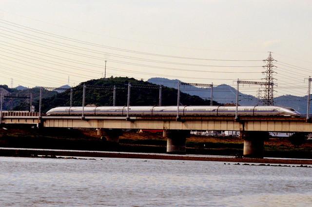 0601加古川橋梁山陽500系上りこだま.JPG
