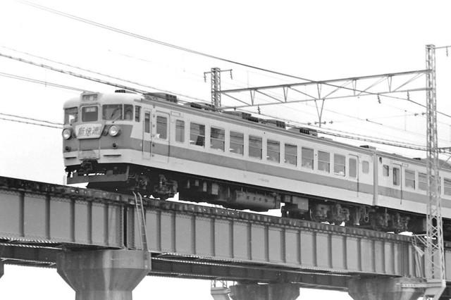 153系ブルーライナー加古川橋梁アップ.JPG