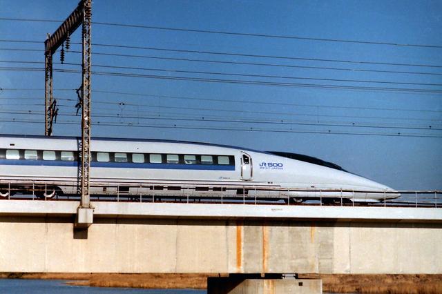 のぞみ500系サイド加古川.jpg
