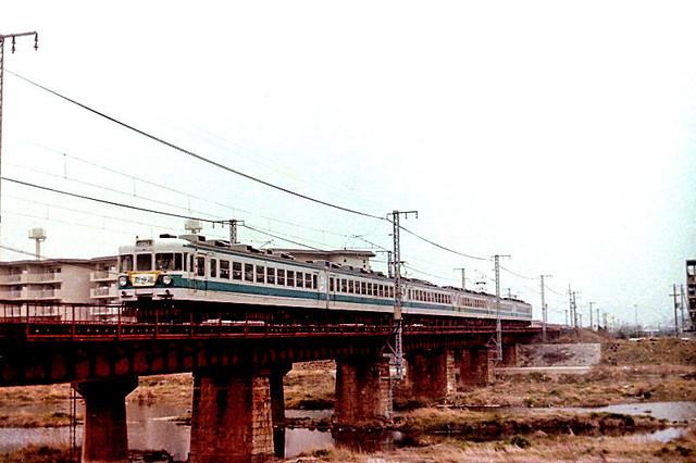 国鉄夢前川153系新快速.JPG