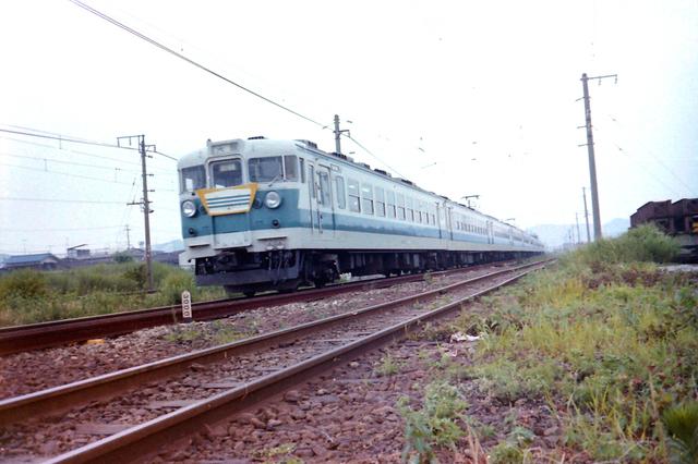 宝殿153快速クハ165.JPG