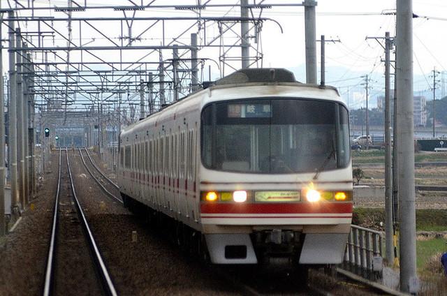 010506①000車内から名鉄1531.JPG