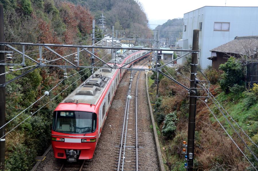 0322名電山中名鉄1200リニューアル俯瞰後追い.JPG