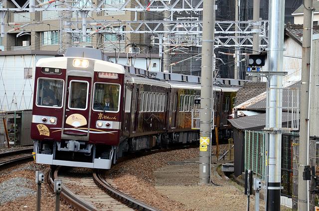 0427十三18阪急6354京とれいん.JPG