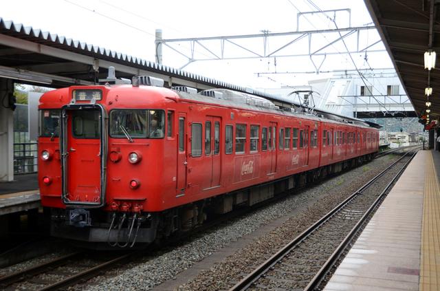 0714上田しなの鉄道115系コカ・コーラ2.JPG