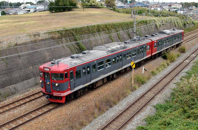 1013小諸しなの鉄道115系標準色2連.JPG