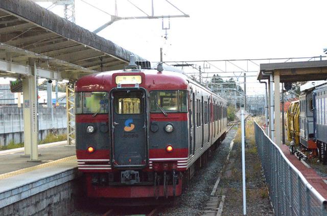 1103しなの鉄道軽井沢115系.JPG