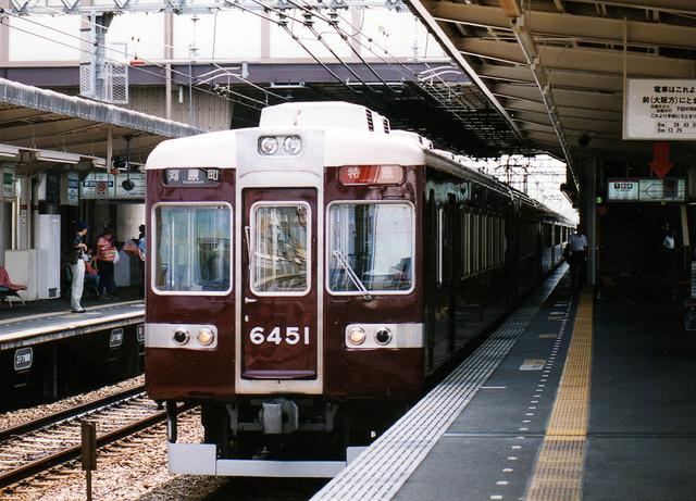 2002阪急6451南方.jpg