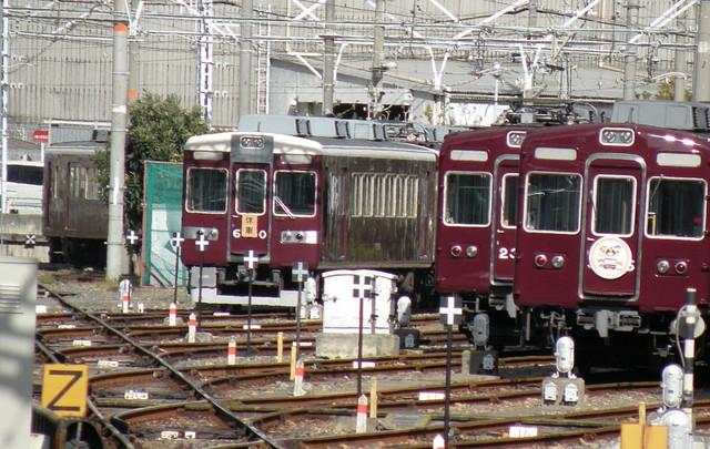 20111224阪急正雀6350休車.jpg