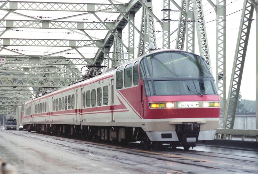 名鉄1000系4連犬山橋.JPG
