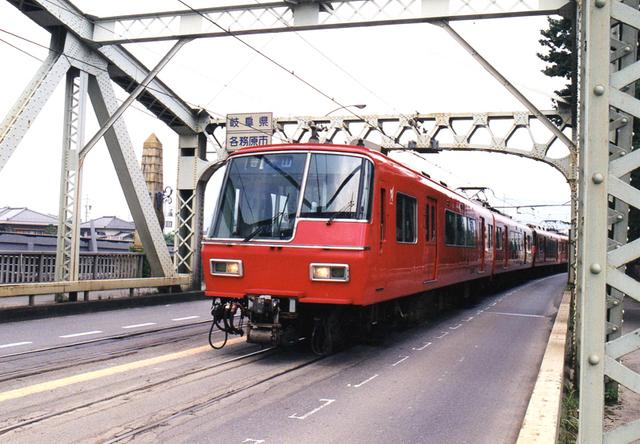 名鉄5700犬山橋2002.jpg