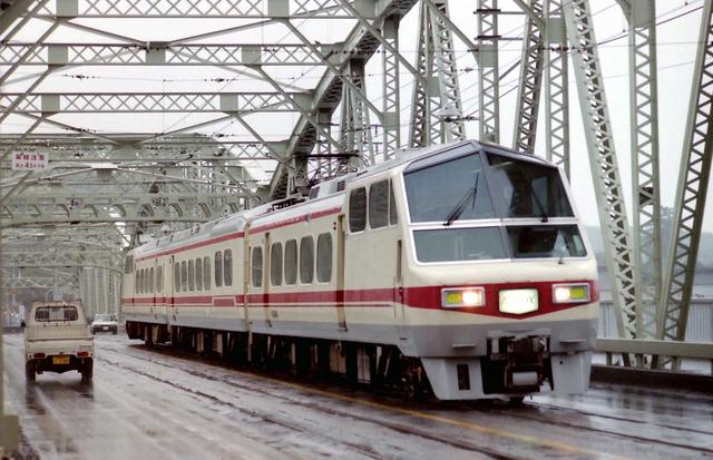 名鉄8800犬山橋3連.jpg
