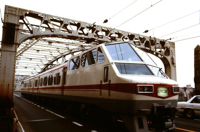 名鉄8800系2連犬山橋カラー.JPG