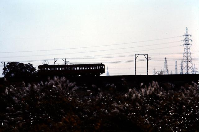 名鉄揖斐2320形+750形シルエット.JPG