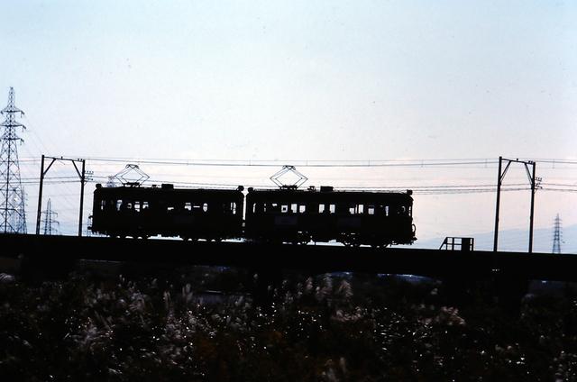 名鉄揖斐510形+520形シルエット3.JPG