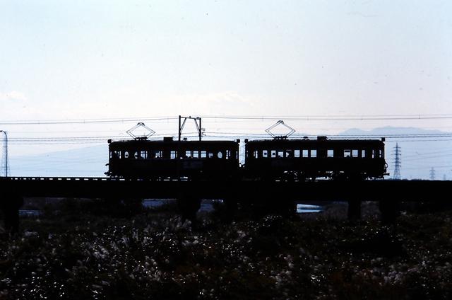 名鉄揖斐510+520シルエット.JPG