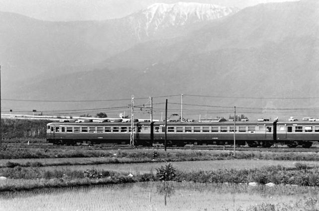大糸線安曇野165系2.JPG