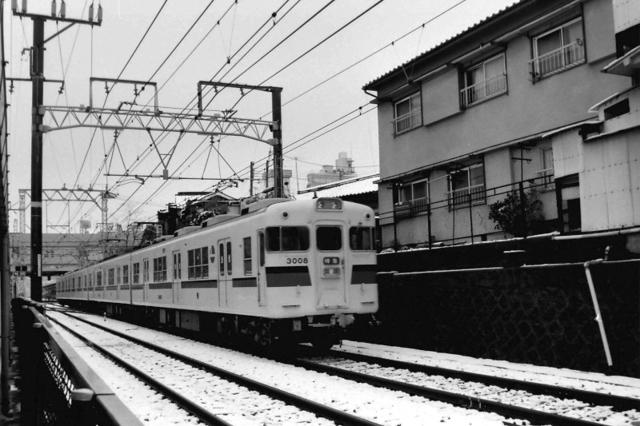 山陽3008新色阪急六甲雪.JPG
