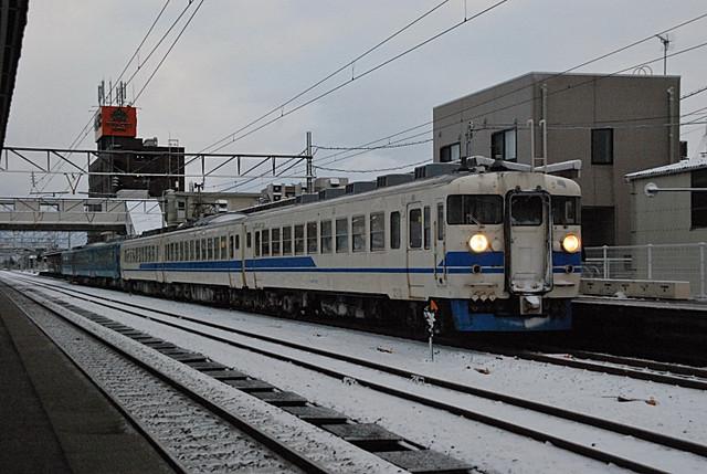 急行型475系魚津6連.jpg