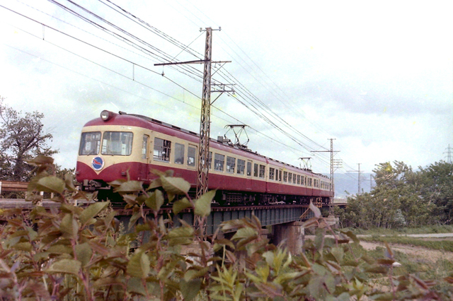 長野電鉄村山2000系2.JPG